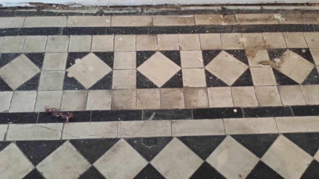 Deep Cleaning Old And Dirty Victorian Hallway Tiles Cleaning And